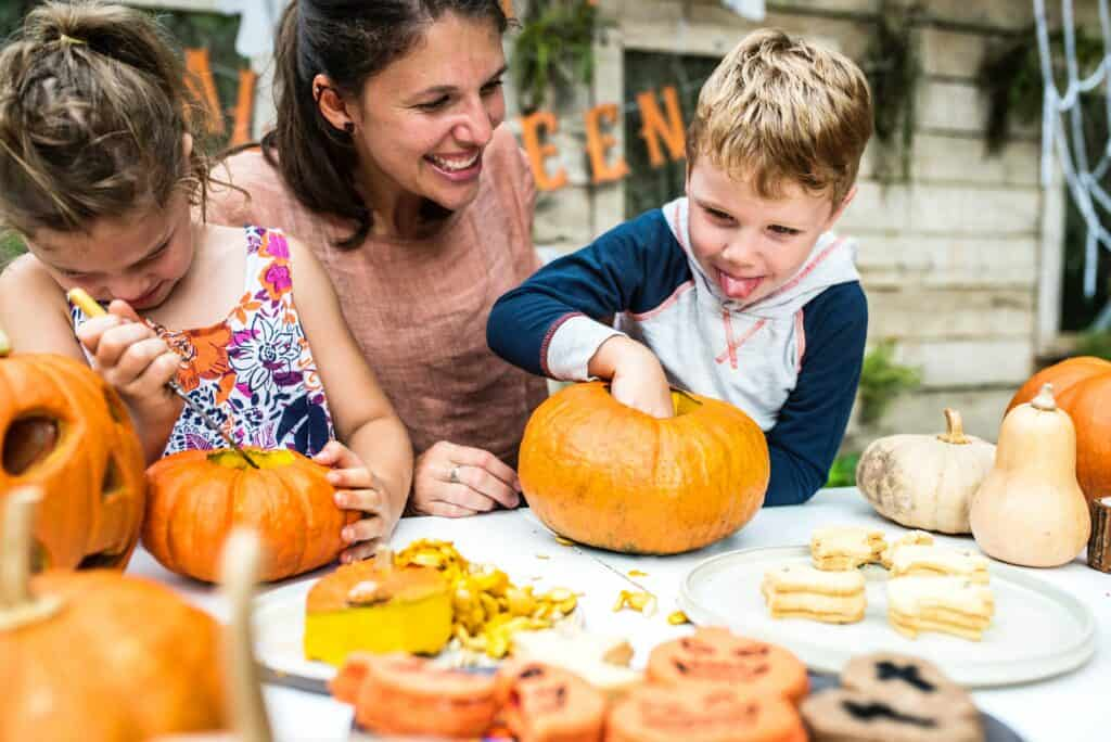 fun fall events in San Antonio, pumpkin carving
